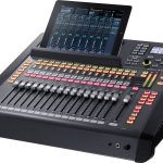 ROLAND M200i 32 Channel Digital Mixer
